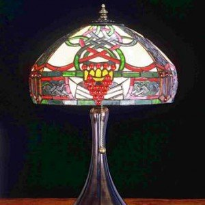 Claddagh Tiffany Stained Glass Accent Lamp