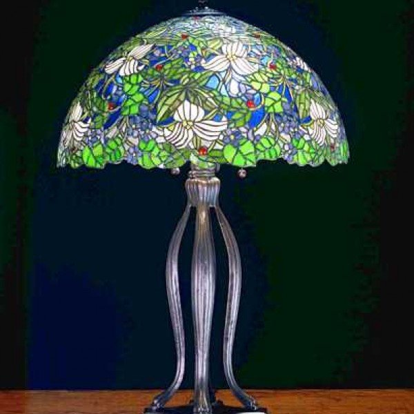 Trillium Violet Tiffany Stained Glass Table Lamp